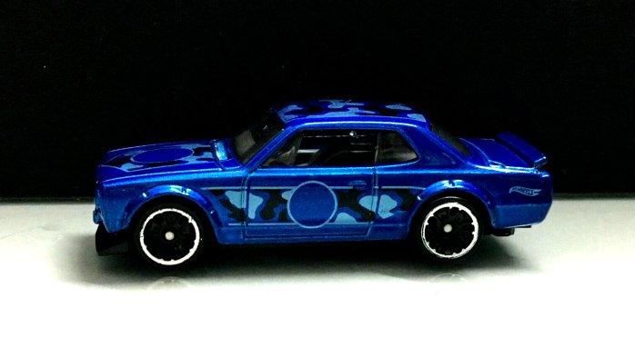 Hot-Wheels-Nissan-Skyline-HT-2000-GT-X-Camo-002