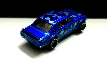 Hot-Wheels-Nissan-Skyline-HT-2000-GT-X-Camo-005