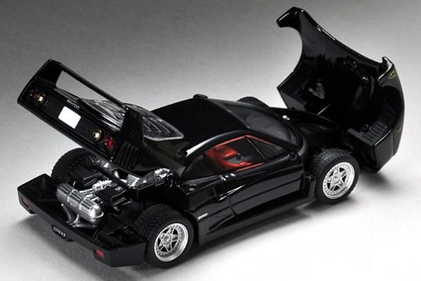 Tomica-Limited-Vintage-Ferrari-F40-black-007