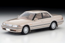 Tomica-Limited-Vintage-Toyota-Mark-II-Grand-Limited-Beige-001