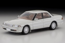 Tomica-Limited-Vintage-Toyota-Mark-II-Grand-Limited-Blanc-perle-001