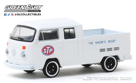 GreenLight-Collectibles-Running-on-Empty-10-1976-VW-T2-Type-2-Double-Cab-Pick-Up-STP