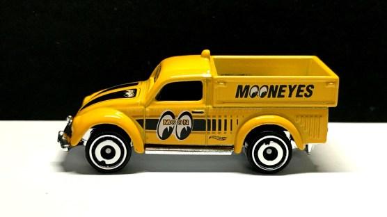 Hot-Wheels-Volkswagen-Beetle-Pickup-Mooneyes-003