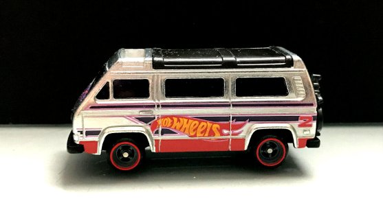 Hot-Wheels-Volkswagen-Sunagon-Walmart-Main-in-002