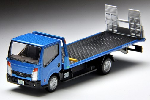 Tomica-Limited-Vintage-Nissan-Atlas-F24-Hanamidai-Auto-Safety-Loader-005