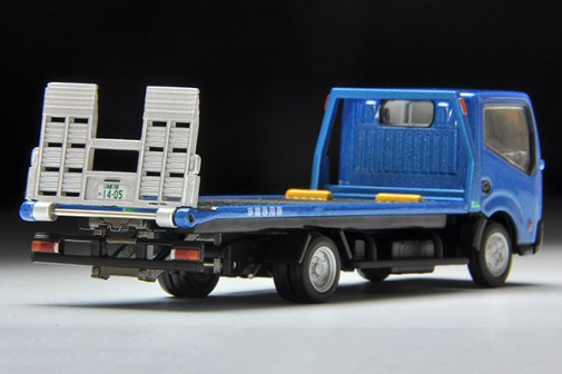 Tomica-Limited-Vintage-Nissan-Atlas-F24-Hanamidai-Auto-Safety-Loader-007