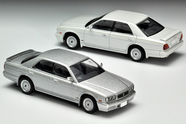 Tomica-Limited-Vintage-Nissan-Cedric-Gran-Turismo-Ultima-Type-X-Argent-008