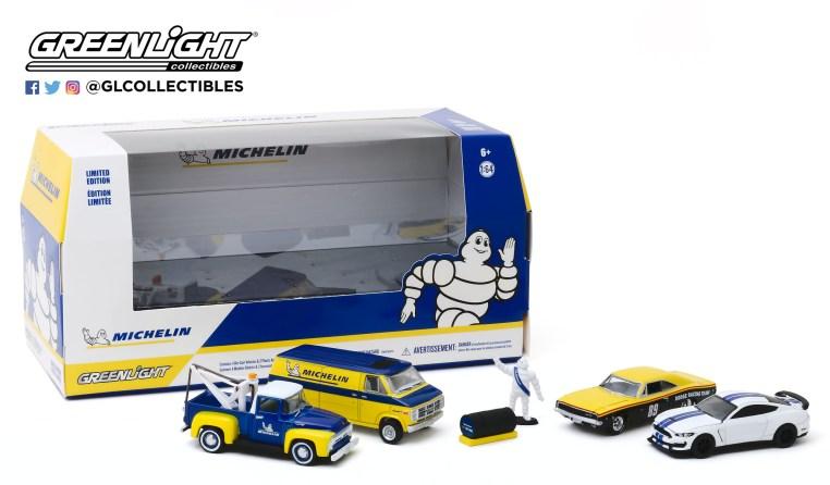 GreenLight-Collectibles-Michelin-Service-Center-002