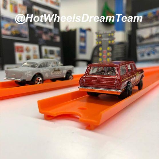 Hot-Wheels-2020-64-Nova-Wagon-Gasser-004