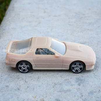 Hot-Wheels-2020-Mainline-Mazda-Savanna-RX-7-009