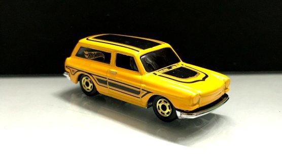 Hot-Wheels-Flying-Customs-2020-Custom-69-Volkswagen-Squareback-000