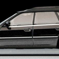 Tomica-Limited-Vintage-Subaru-Legacy-Wagon-Noir-Gris-003