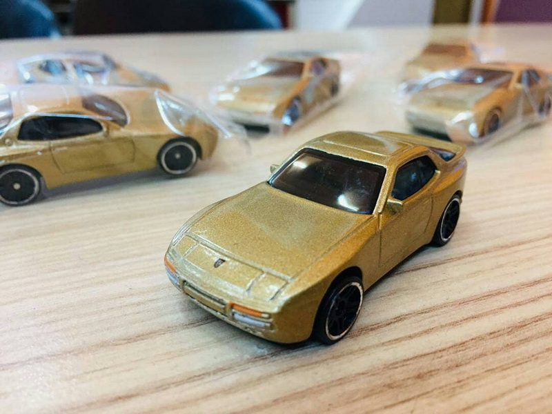 Hot-Wheels-Mainline-2020-89-Porsche-944-Turbo-001