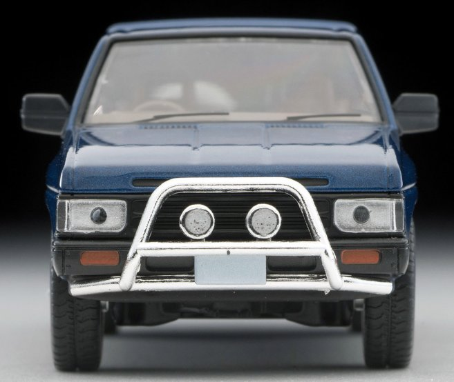Tomica-Limited-Vintage-Neo-Nissan-Terrano-R3M-Navy-004