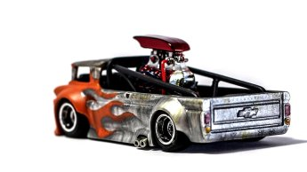 Hot-Wheels-Custom-64-Chevy-Syabil-Desthathin-Jr-002
