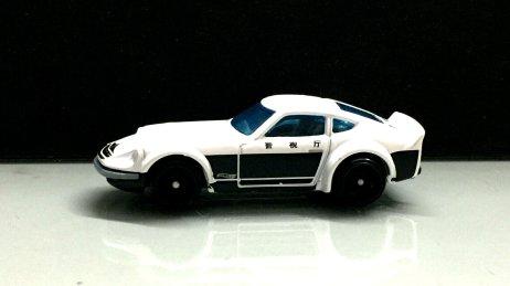 Hot-Wheels-Nissan-Fairlady-Z-Police-001