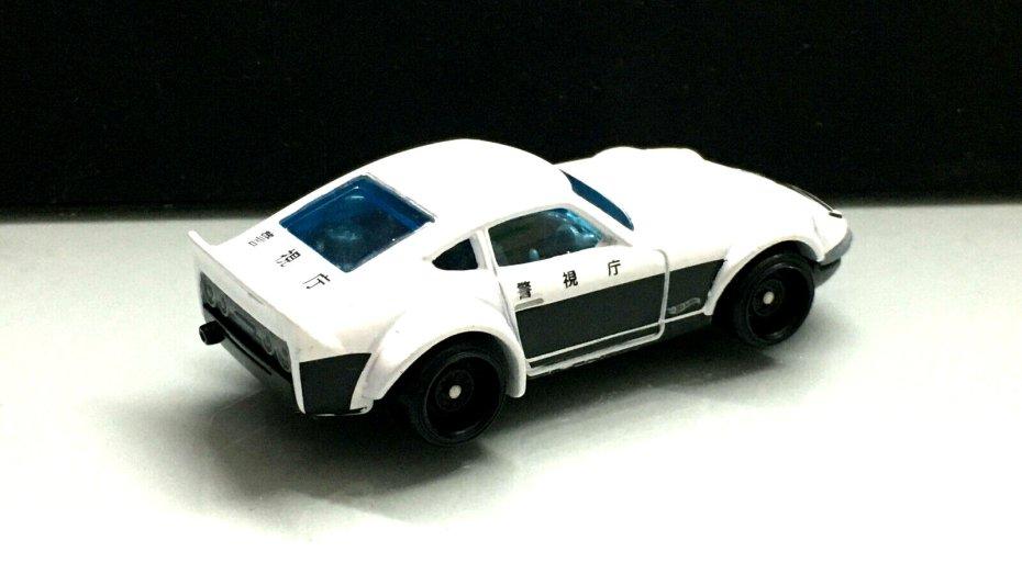 Hot-Wheels-Nissan-Fairlady-Z-Police-002