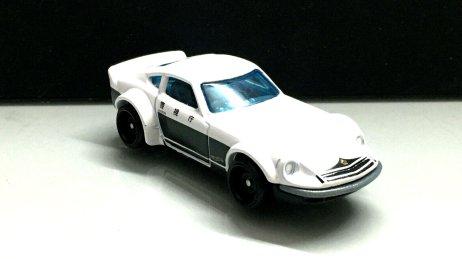Hot-Wheels-Nissan-Fairlady-Z-Police-003