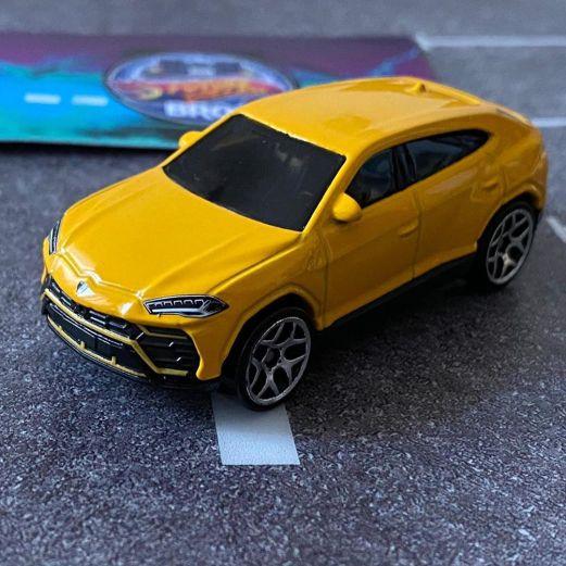 Hot-Wheels-2020-Mainline-Lamborghini-Urus-007