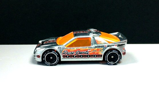 Hot-Wheels-id-2020-Ford-RS200-001