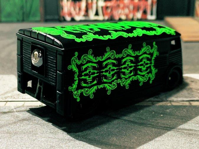 Drag-H-Van-King-of-custom-Hells-Dept-002