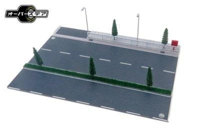 Oversteer-Roadway-A-Diorama-001