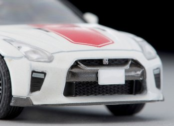 Tomica-Limited-Vintage-Mai-2020-Nissan-GT-R-50th-Anniversary-White-006