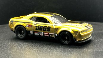 Hot-Wheels-2020-Super-Treasure-Hunt-Dodge-Demon-001