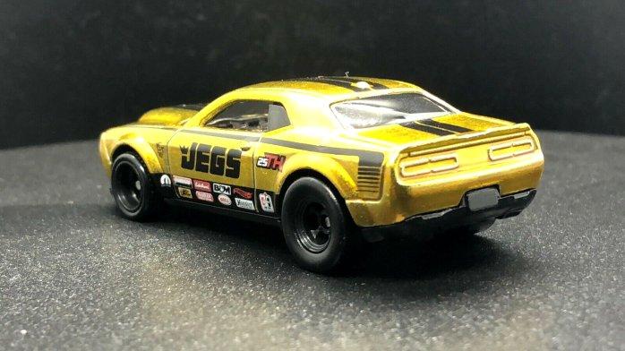 Hot-Wheels-2020-Super-Treasure-Hunt-Dodge-Demon-002