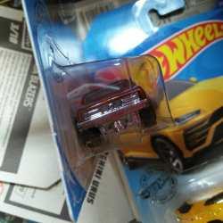 Hot-Wheels-Mainline-2020-67-Camaro-004