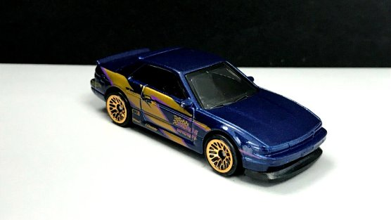 Hot-Wheels-Nissan-Silvia-S13-002