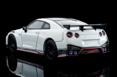 Tomica-Limited-Vintage-Neo-Nissan-GT-R-Nismo-2020-Blanche-002