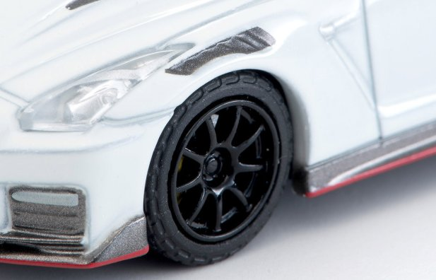 Tomica-Limited-Vintage-Neo-Nissan-GT-R-Nismo-2020-Blanche-007