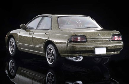 Tomica-Limited-Vintage-Neo-Skyline-R32-Autech-Version-004