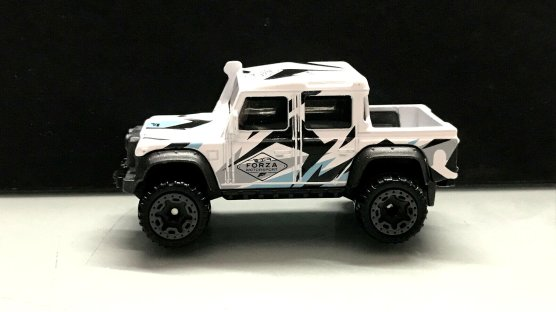 Hot-Wheels-Forza-Motorsport-2020-15-Land-Rover-Defender-Double-Cab-001