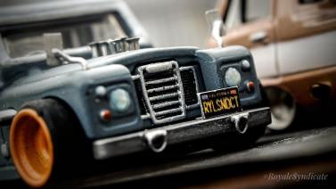 Land-Rover-III-series-custom-by-RoyaleSyndicate-004