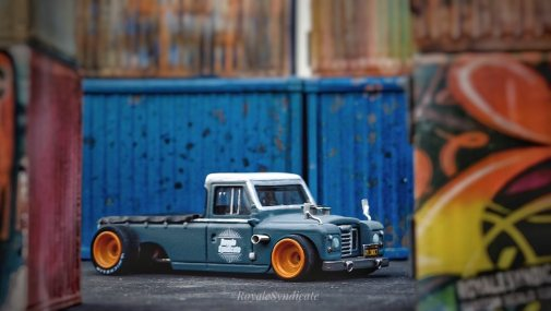 Land-Rover-III-series-custom-by-RoyaleSyndicate-009
