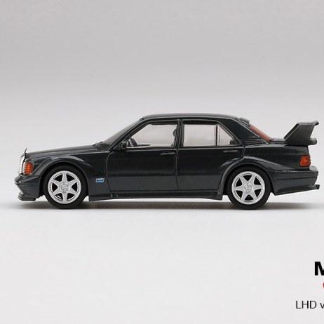 Mini-GT-Mercedes-Benz-190E-2-5-16-Evolution-II-Black-003