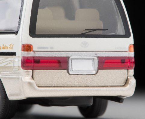 Tomica-Limited-Vintage-Neo-Toyota-Hiace-Wagon-Living-Saloon-EX-Blanc-Beige-006