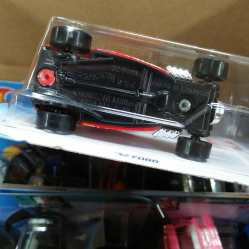 Hot-Wheels-Ford-32-Uno-006