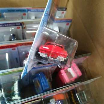 Hot-Wheels-Mainline-2020-64-Corvette-Sting-Ray-003