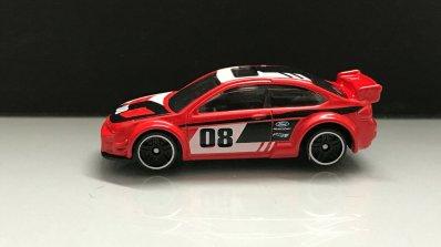 Hot-Wheels-Série-2020-2008-Ford-Focus-002
