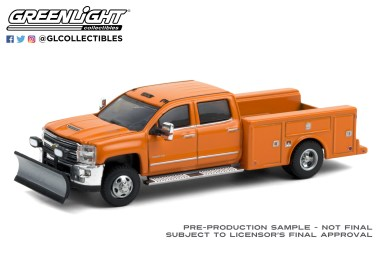 GreenLight-Collectibles-Dually-Drivers-6-2018-Chevrolet-Silverado-3500-Dually-Snow-Plow