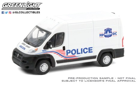 GreenLight-Collectibles-Route-Runners-2-2017-Ram-ProMaster-2500-Cargo-High-Roof-Washington-DC-Metro-Police