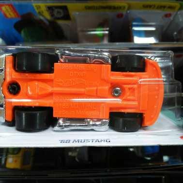 Hot-Wheels-Mainline-2021-68-Mutang-003