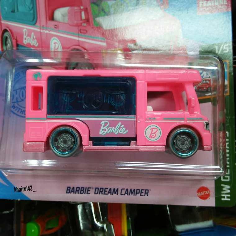 Hot-Wheels-Mainline-2021-Barbie-Dream-Camper-002