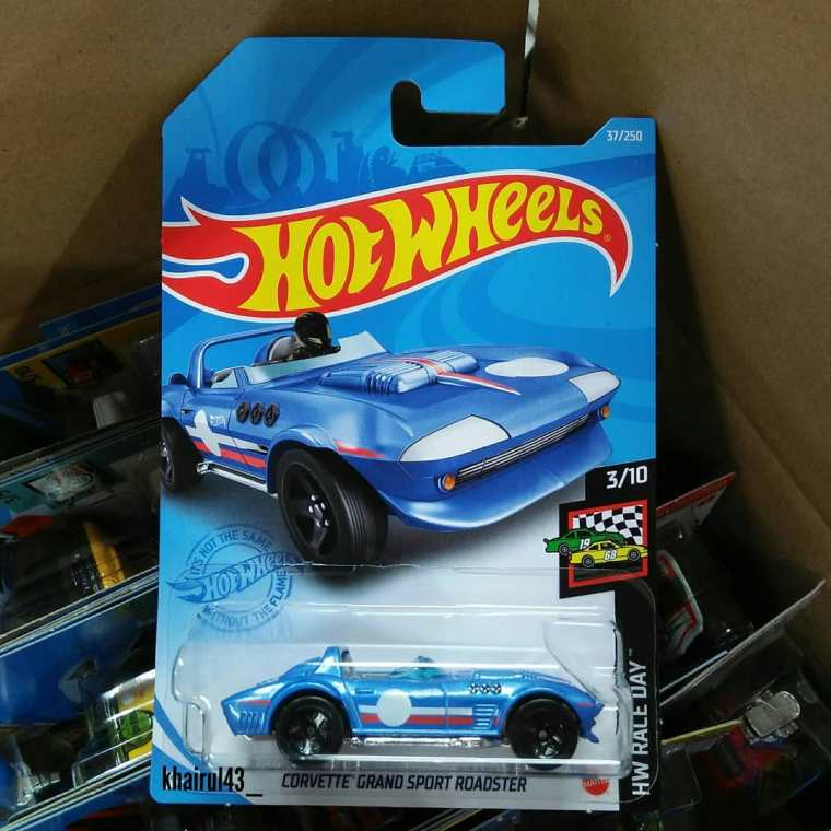 Hot-Wheels-Mainline-2021-Corvette-Grand-Sport-Roadster-001