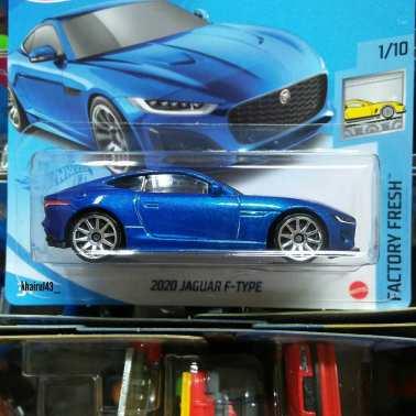 Hot-Wheels-Mainline-2021-Jaguar-F-Type-002