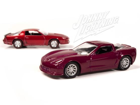 Johnny-Lightning-Chevy-Camaro-Z28-2012-Chevy-Corvette-Z06-001