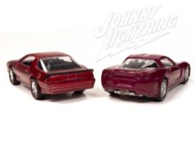 Johnny-Lightning-Chevy-Camaro-Z28-2012-Chevy-Corvette-Z06-003